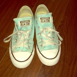 Converse light blue W Size 6